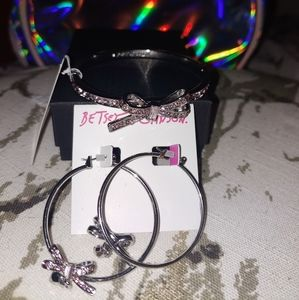 Betsey Johnson matching earrings and bracelet pink